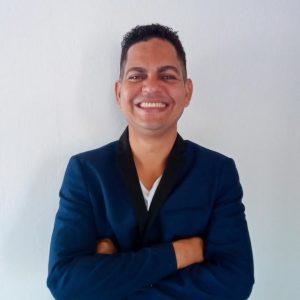 "<small class=""span-author"">Autor</small><br>Valber Cunha"